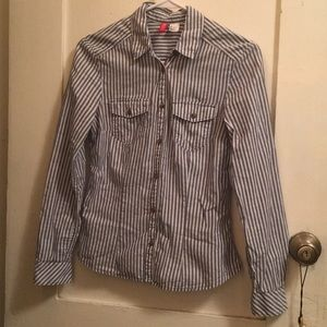 H&M striped button down collared shirt